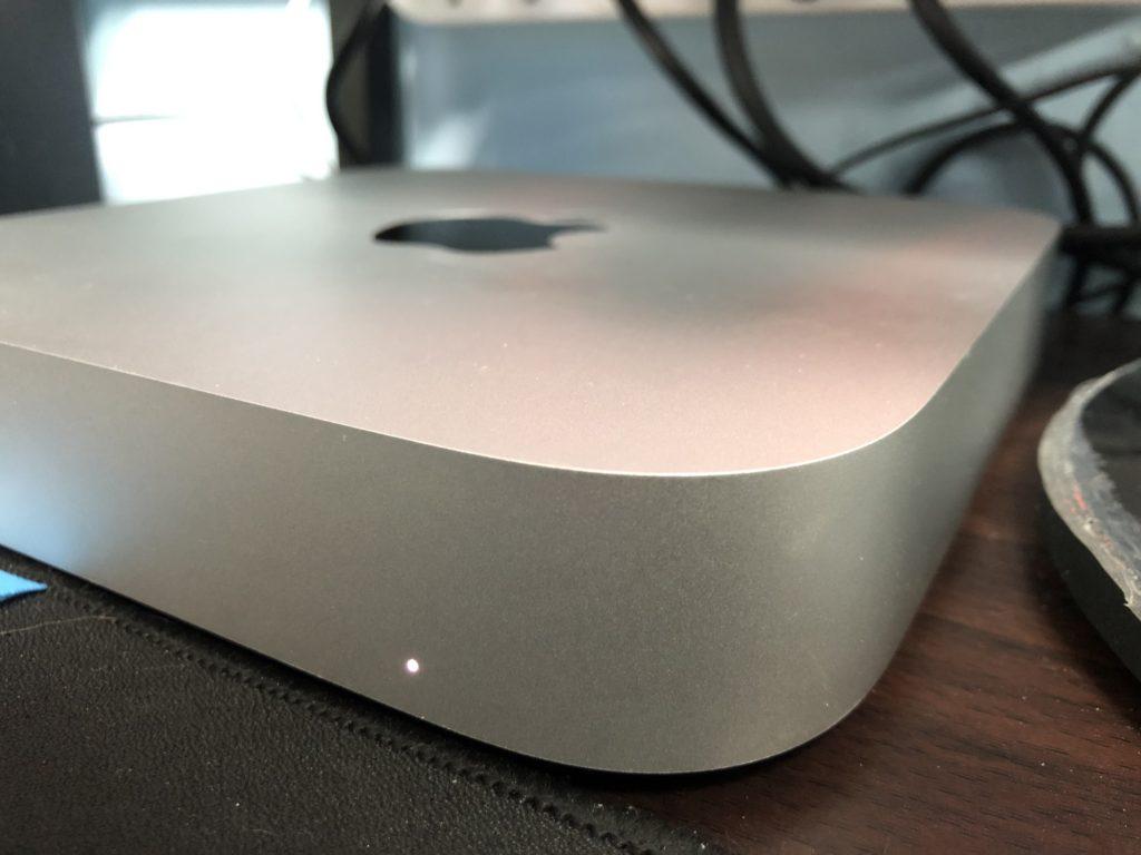 mac mini m1 開箱 主機電源燈
